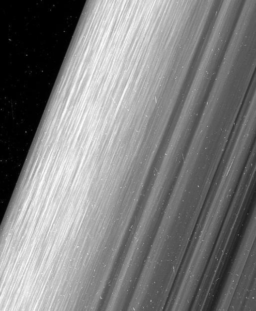 #фото дня | Снимки колец Сатурна, сделанные с максимально близкого расстояния