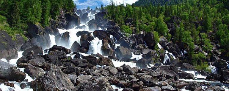 Большой Чульчинский водопад (иногда назвываемый Учар, что в переводе с алтайского означает Неприступный) — каскадный водопад, расположен на реке Чульча, в республике Алтай. Является самым большим в регионе, имея высоту падения около 160 м. Водопад находит