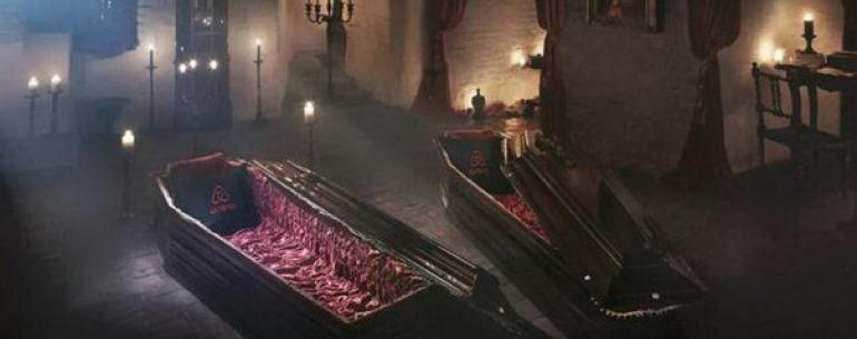 Ночь в гробу в замке Румынии