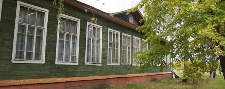 Музей в деревне Степановка Орехово-Зуевского района был открыт в 1987 году стараниями художественного руководителя сельского ДК У.Г.Андрияновой. Основа музея была заложена ранее, когда был организован фольклорный ансамбль. Восстанавливали, записали и сохр