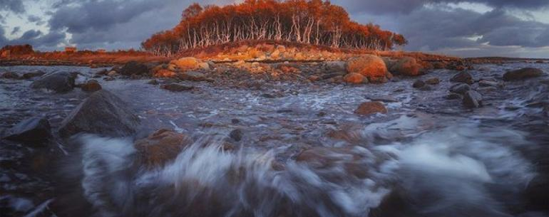 Остров Буян, одно из таинственных мест русской мифологии. Кроме А.С.Пушкина, это название встречается в устных и записанных многими авторами преданиях славян.